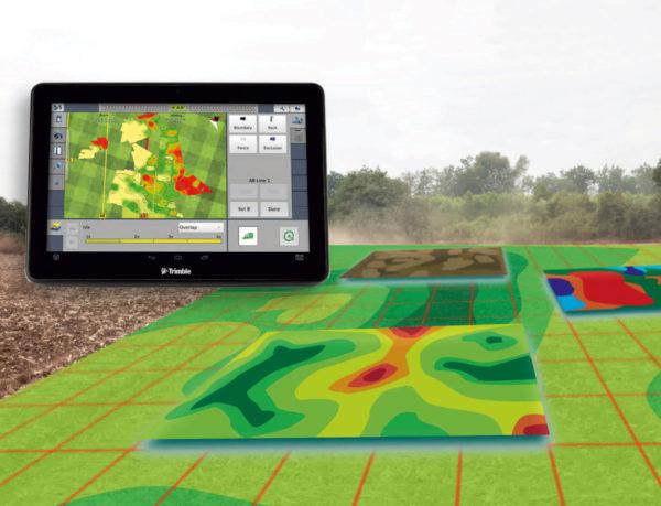 mapa na tablecie, pole, mapowanie, próby glebowe